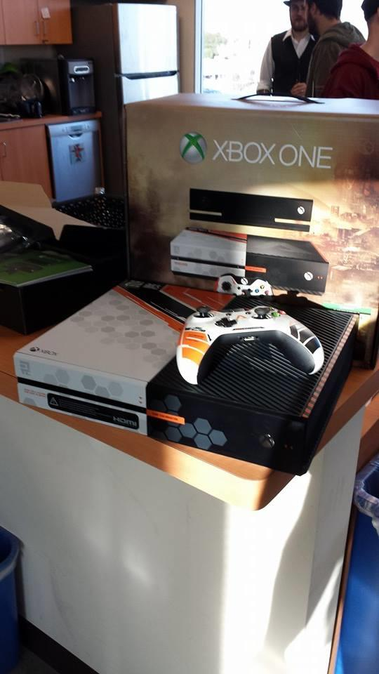 titanfall_xbox_one_console_2